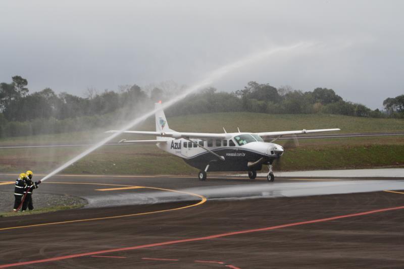 Azul aumenta horários de voos entre Santa Cruz e Porto Alegre a partir do mês que vem