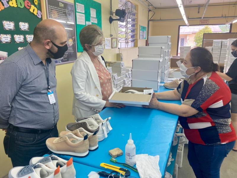 Fábrica de calçados de Monte Alverne inicia exportação para quatro países