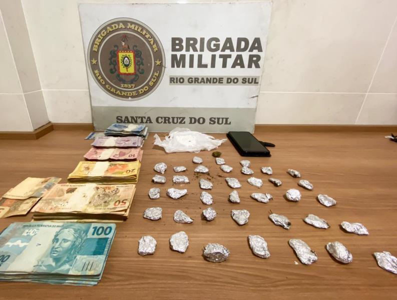 Dupla é presa por tráfico de drogas em Vera Cruz