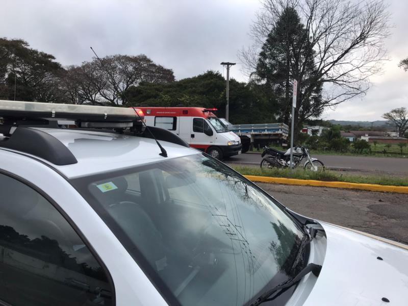 Motociclista fica ferido em acidente na Avenida Castelo Branco