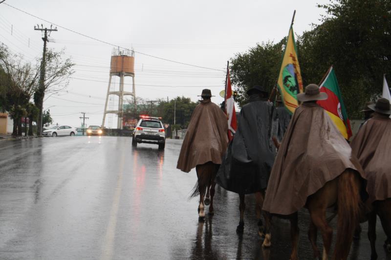 Cerimônia em frente à Prefeitura ocorre na segunda-feira