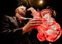 Santa-cruzense que interpreta música eletrônica no saxofone irá alçar voos mais altos