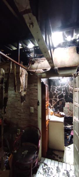 Residência pega fogo em Venâncio Aires