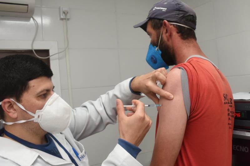 Vacinação terá andamento neste sábado