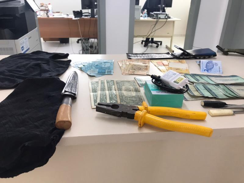 Objetos foram apreendidos na segunda-feira, dia da prisão