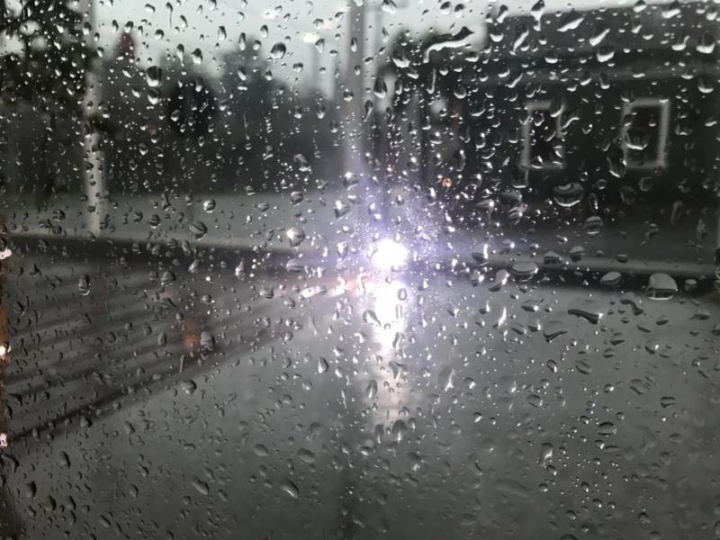 Chuva forte foi registrada na manhã desta segunda-feira