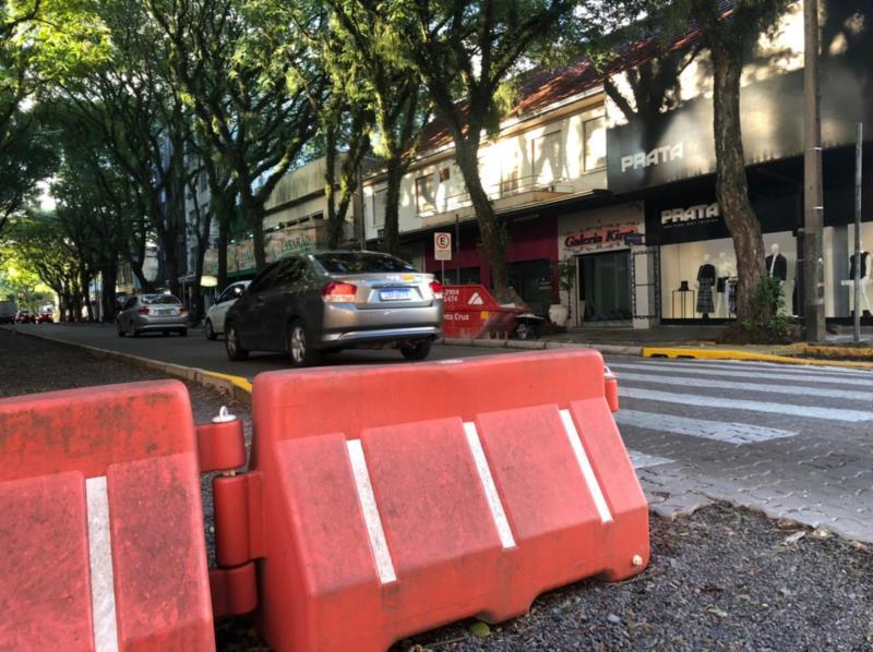 Trânsito na Marechal Floriano ficará em meia pista com início das obras do Calçadão