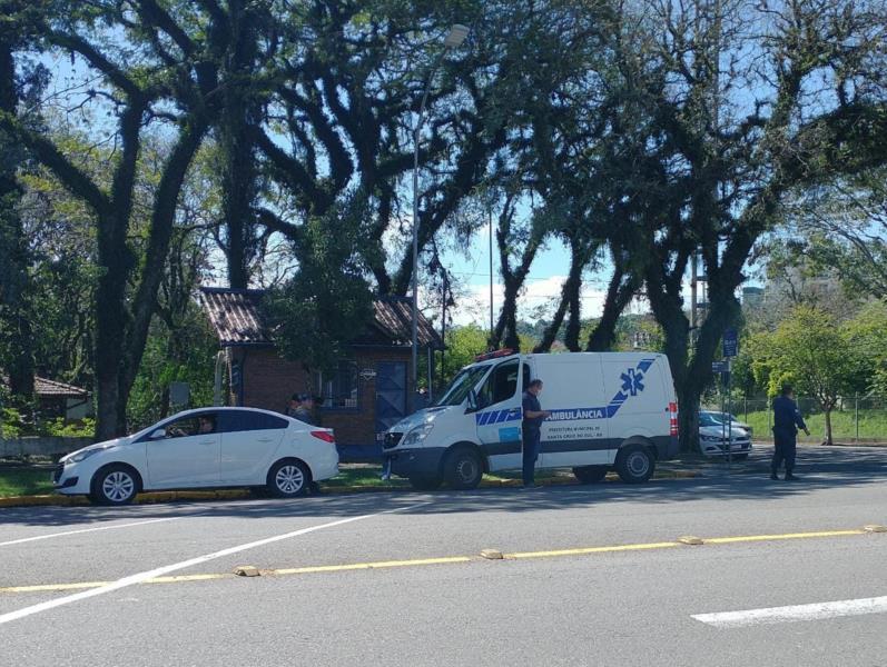Colisão envolveu uma ambulância e uma moto
