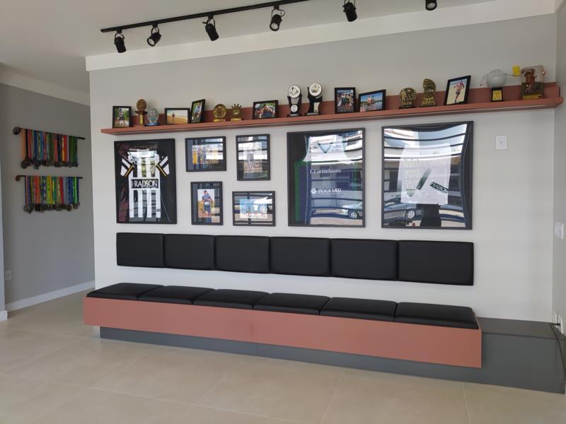 Radson Esporte terá um espaço com troféus, medalhas e camisetas de times da cidade patrocinados pela empresa