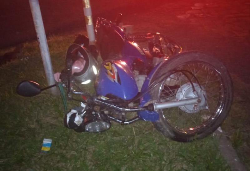 Colisão entre carro e moto deixa duas pessoas feridas na RSC-453 em Venâncio Aires