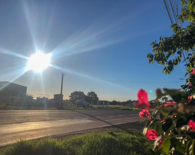 Tempo firme e calor marcam o início da semana em Santa Cruz