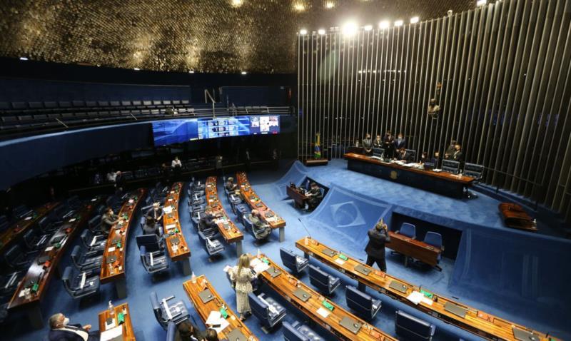 O relator do projeto, senador Esperidião Amin (PP-SC), acatou duas emendas apresentadas ao texto