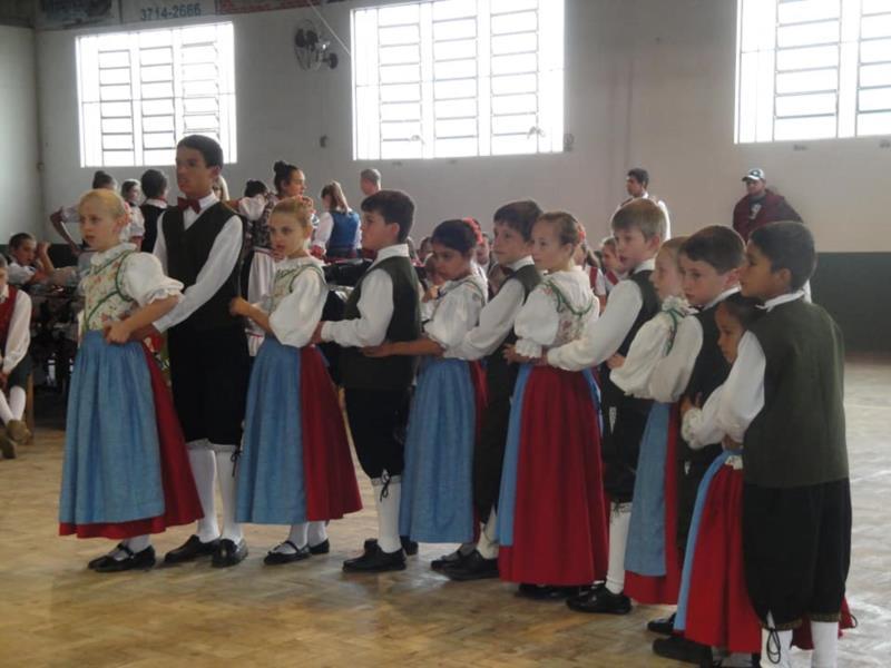 Grupo Grüner Jäger Volkstanzgruppe iniciou as atividades em 2008 com o objetivo de fomentar a cultura