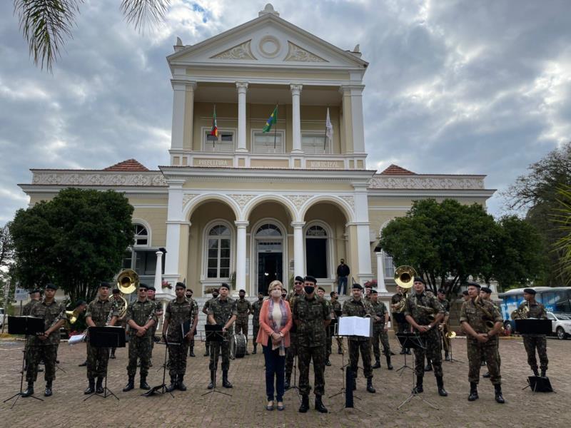 FOTOS: Sunset Cultural levou artistas locais para a Praça da Bandeira