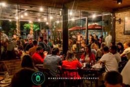 Com música ao vivo e gastronomia diferenciada, Haus Som e Bar é sucesso em Santa Cruz