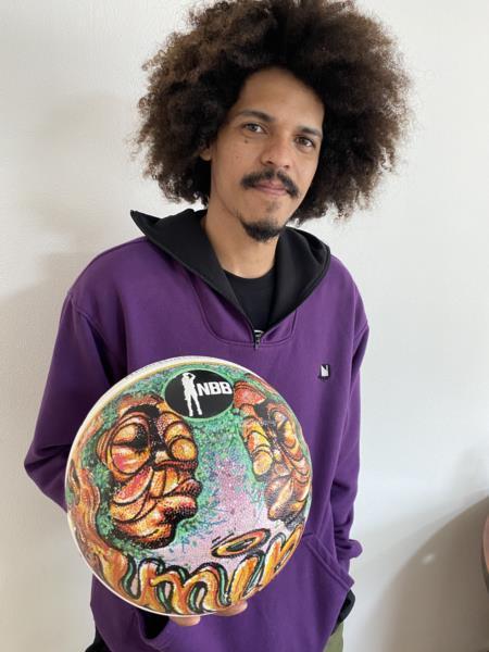 Bola estilizada por artista santa-cruzense pode figurar no NBB