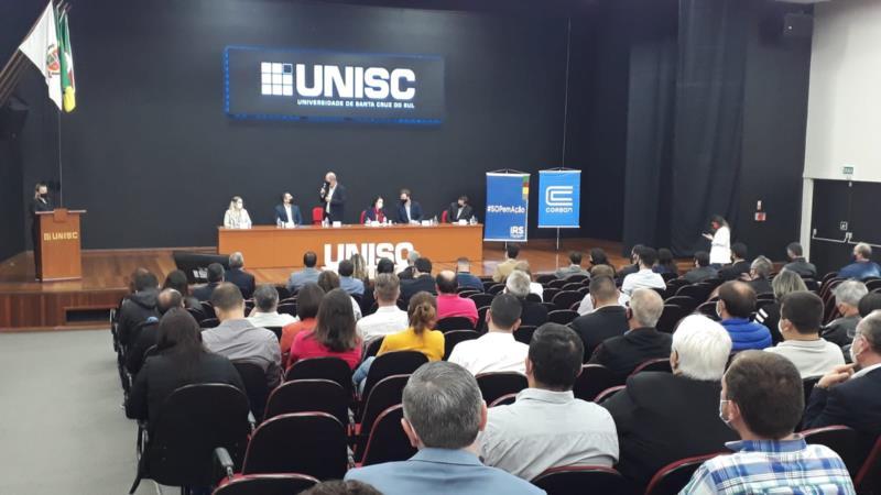 Assinatura ocorreu durante ato realizado na Unisc