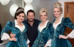 """""""Sempre vivi a Oktober como parte da minha vida"""", diz Rogério dos Santos, o cabeleireiro das soberanas"""