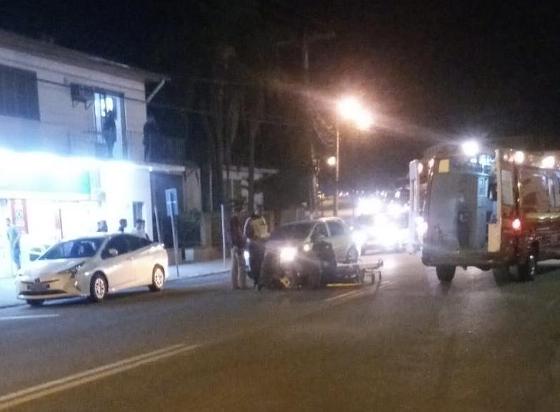 Motociclista fica ferido após colisão com carro em Vera Cruz