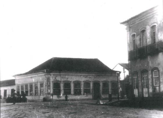 Café Gaúcho, esquina com Almirante Alexandrino com Andrade Neves.  A direita sobrado dos Silveiras