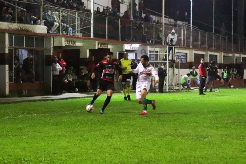 Guarani ganhava do São Paulo de Rio Grande quando o lance aconteceu