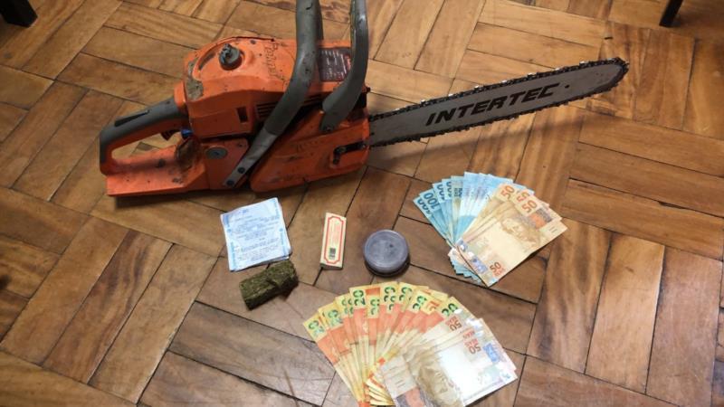 Dinheiro e objetos encontrados