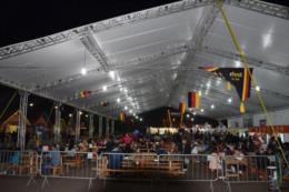Bom público e rigor nos protocolos. Veja fotos da primeira noite da 36ª Oktober