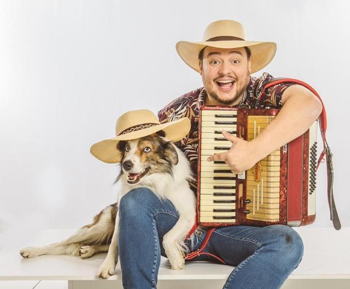 Paulinho e o mascote: o baita cão