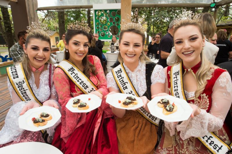 Desfile temático, oficinas de gastronomia e música típica são algumas das atrações