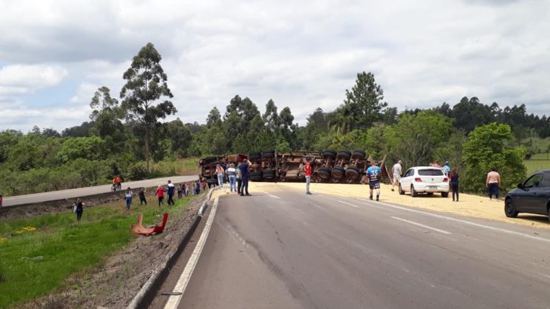 Acidente deixa duas pessoas feridas em Vera Cruz