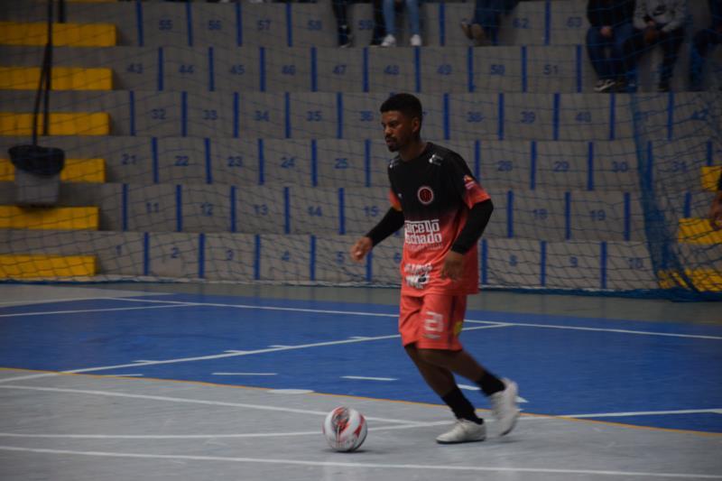 Campeonato ocorre às segundas, quartas e sextas-feiras no Ginásio Poliesportivo e reúne times dos bairros de Vera Cruz