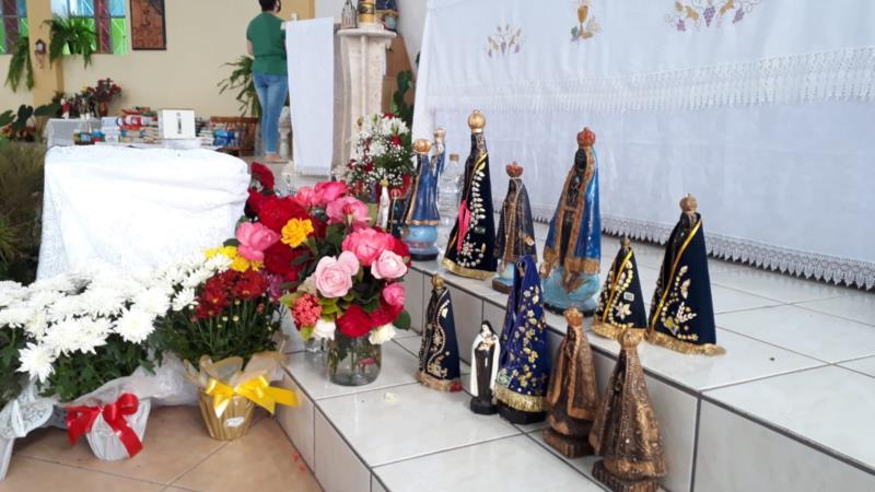 Devoção e fé marcam procissão de Nossa Senhora Aparecida