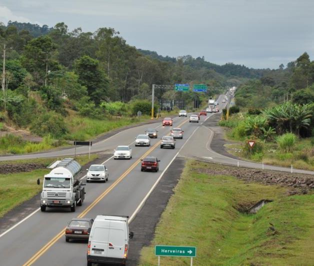 Mais de 14 mil veículos são esperados no retorno do feriado nas rodovias da região